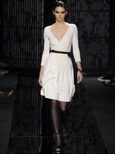 El wrap dress es un estilo que sienta bien a todo tipo de cuerpo