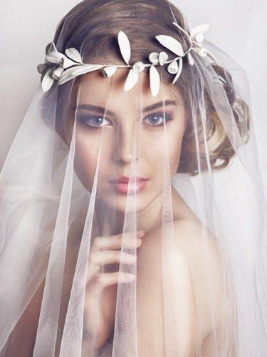 Las joyas dan el toque único al vestido de novia