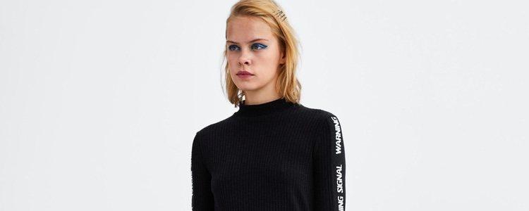 El cuello perkins lo puedes combinar con cualquier tipo de look