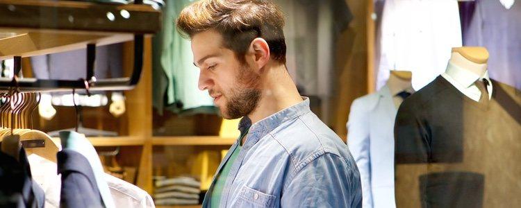 Los asistentes de tienda pueden ayudarnos a elegir nuestro traje en función de nuestras necesidades