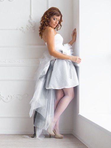 No hay un estilo ni un largo determinado, la novia puede llevar el vestido de sus sueños