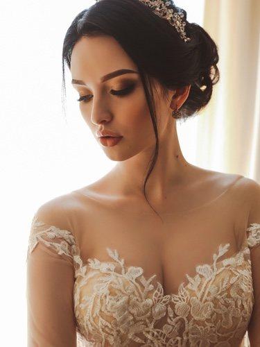 El escote corazón ha sido uno de los más utilizados en vestidos de novia