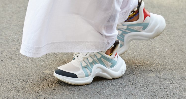 Los calcetines vistos es unas reminiscencia de los 80 y 90
