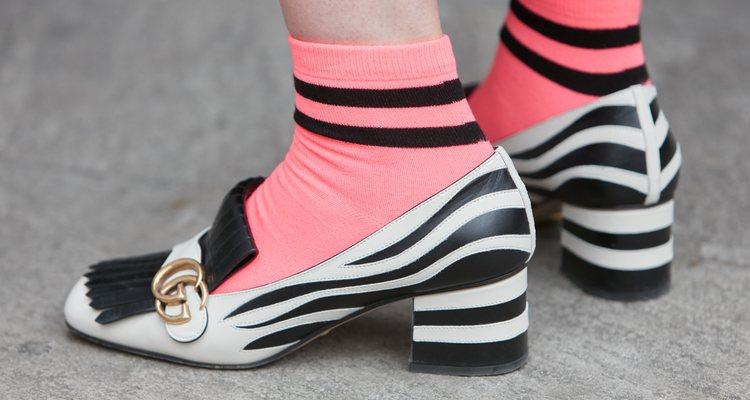 Una de las opciones más arriesgadas son los </p><p>tacones con calcetines