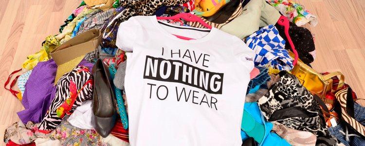 Lo primero es sacar toda la ropa del armario para hacer limpieza