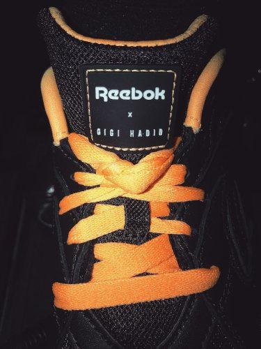 Zapatillas de la nueva colaboración de Gigi Hadid x Reebok