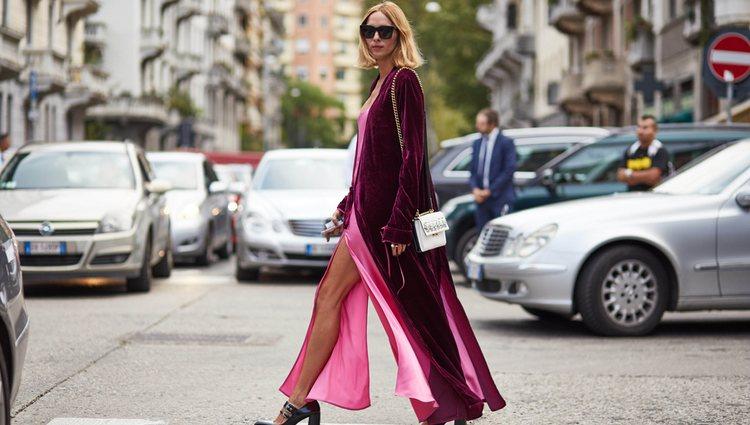 Los vestidos lenceros tienen mucho vida también en invierno