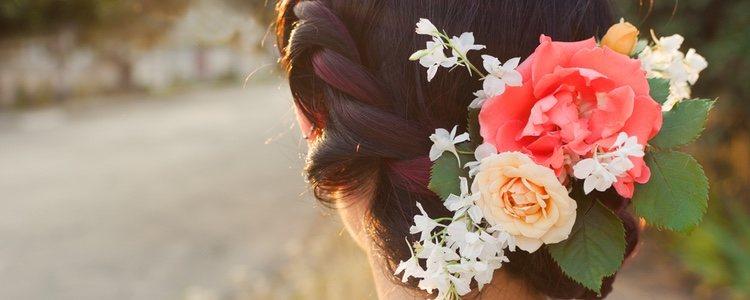Las coronas de flores son tendencia cada verano y aporta un aire fresco al conjunto