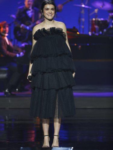 Amaia durante su actuación en los Goya 2019