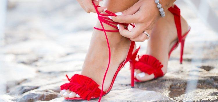 Sandalias llamativas de tacón