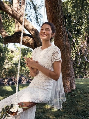 Uno de los vestidos de novia de estilo romántico de la colección de H&M