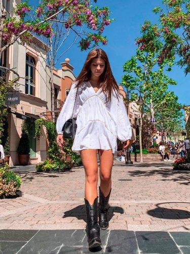 Anita Matamoros con un vestido blanco | Foto: Instagram