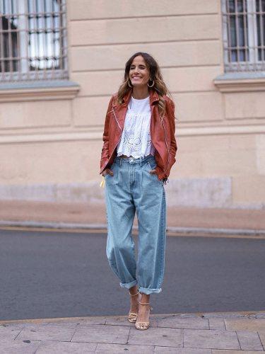 Rebelattitude con un pantalón Slouchy combinado con sandalias de tacón | Foto: Instagram