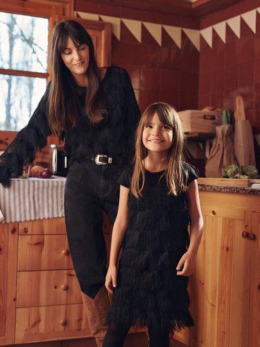 Madre e hija, a conjunto