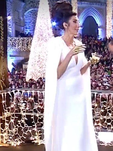 Paz Padilla con vestido blanco en las campanadas de Telecinco