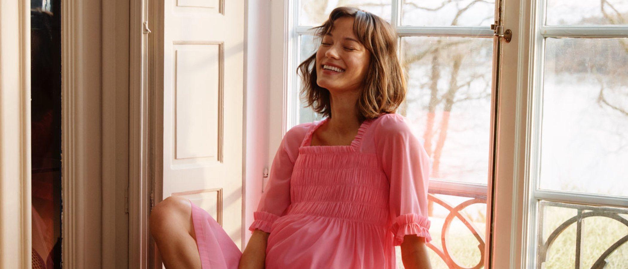 La nueva colección premamá de H&M no se deja fuera ninguna tendencia para esta primavera/verano 2020