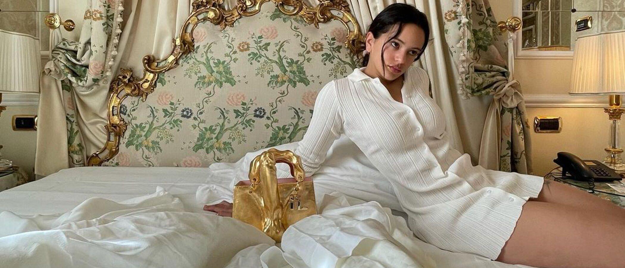 El 'bolso pene' no es el único: Así es la excéntrica colección de bolsos de Rosalía