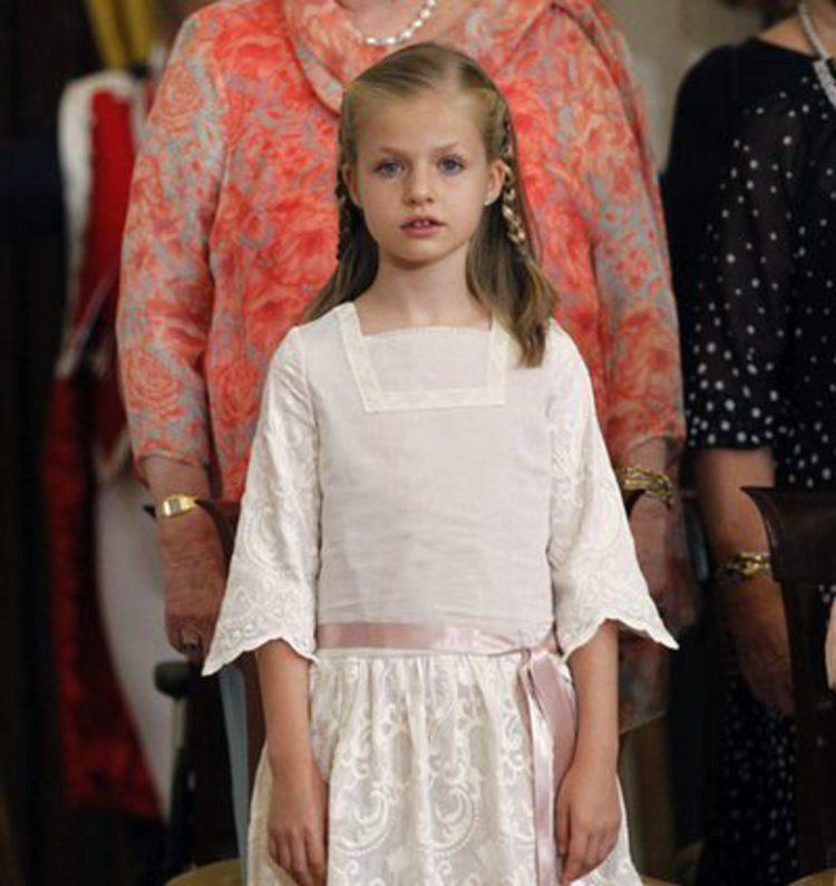 La Princesa Leonor cumple 10 años  así es el estilo de una pequeña it girl  royal - Bekia Moda 0f6ded305657