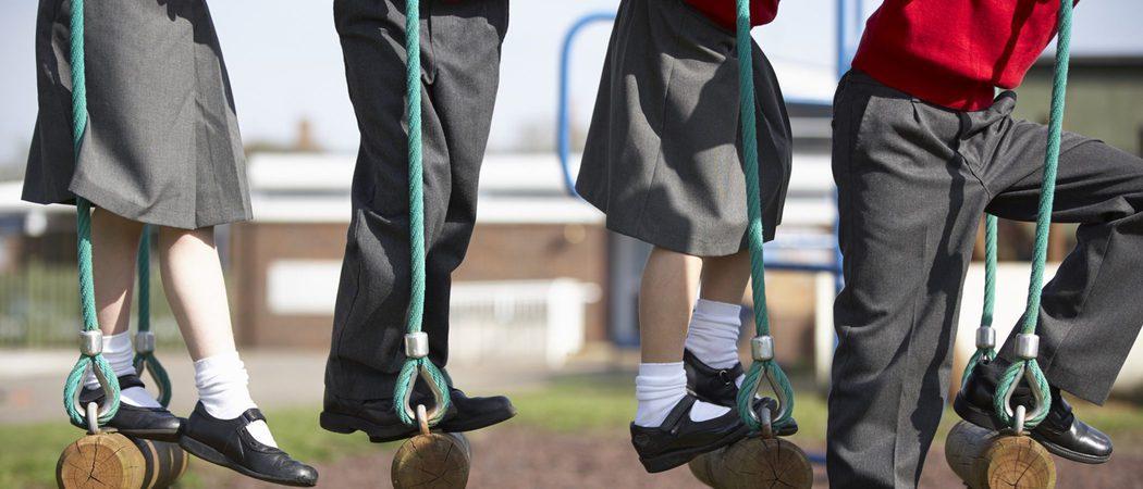 Uniforme femenino para el colegio: ¿Falda o pantalón?