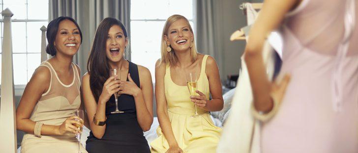 Cómo vestirse para ir a una boda de tarde en otoño