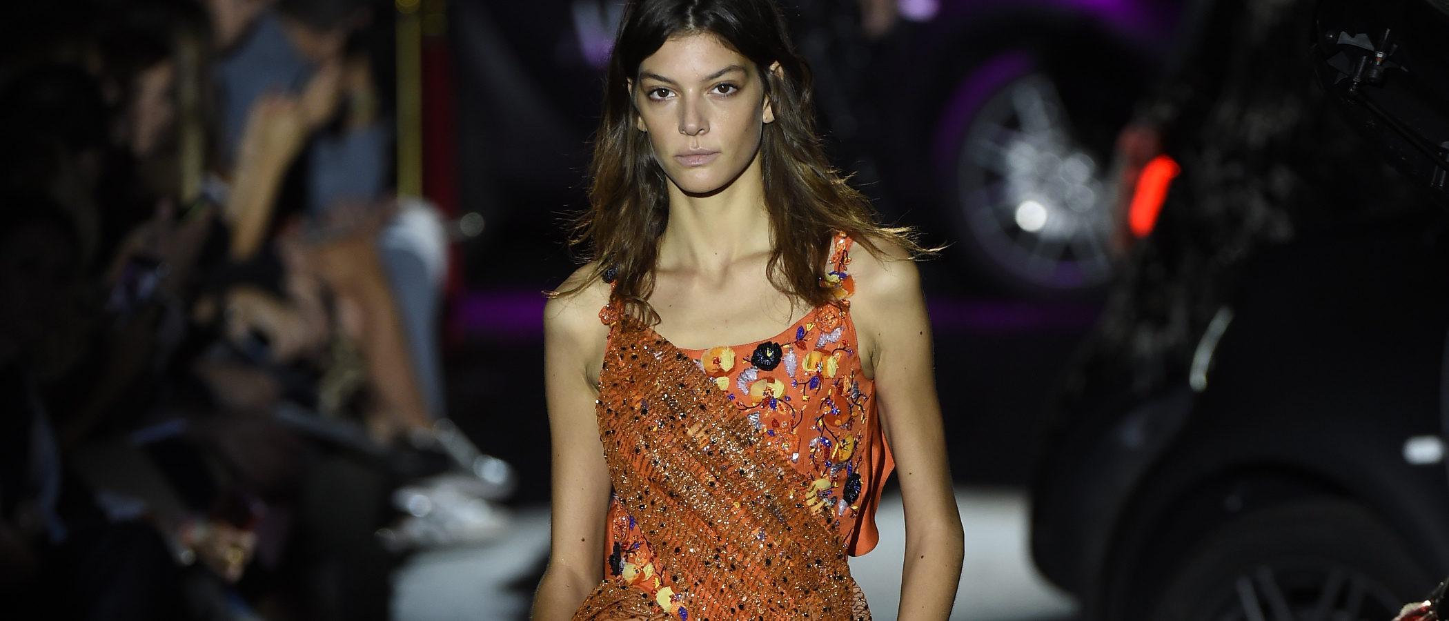 Alvarno trae brillos y noches de glamour para la colección primavera/verano 2017 en Madrid Fashion Week