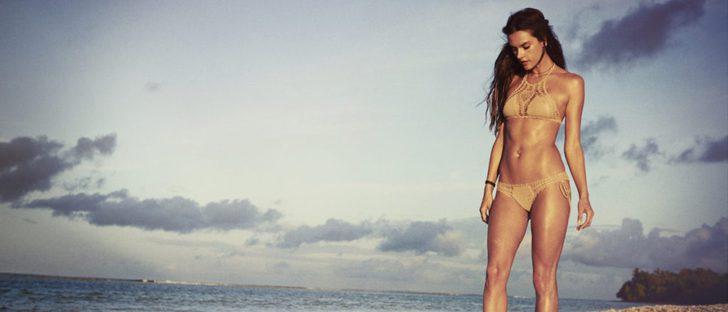 Alessandra Ambrosio vuelve a lanzar una línea de trajes de baño para su firma Ale by Alessandra