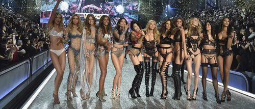 Victoria's Secret y sus ángeles conquistan París con el espectacular Fashion Show 2016