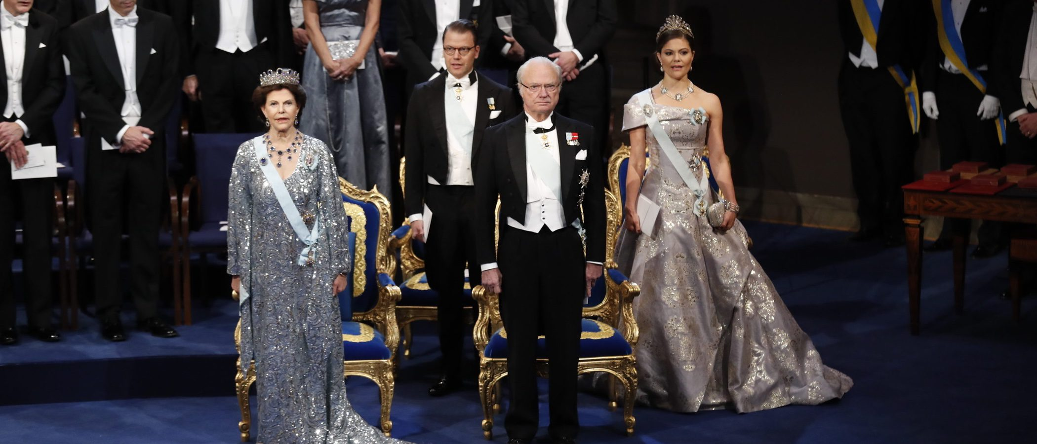 Victoria de Suecia apuesta por el low cost con material reciclado para los Premios Nobel 2016