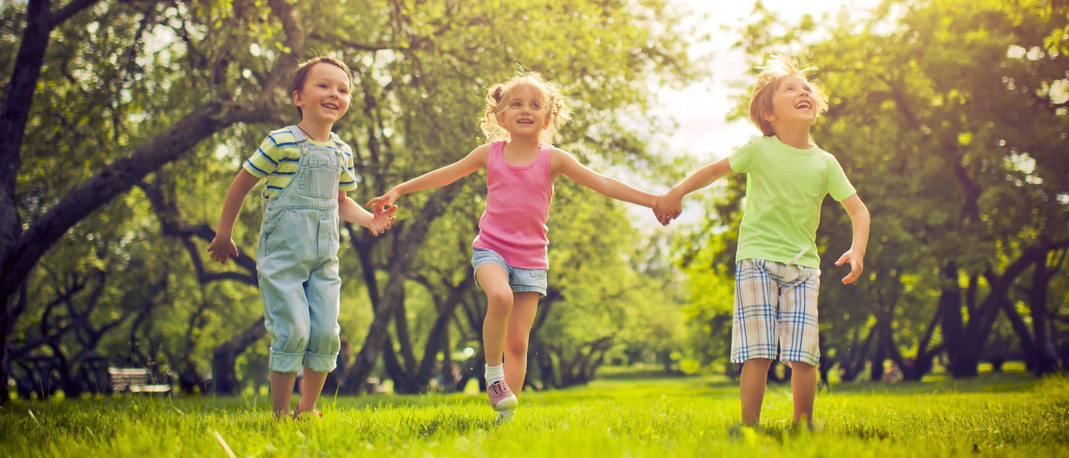 Cómo vestir a los niños para ir al parque en primavera