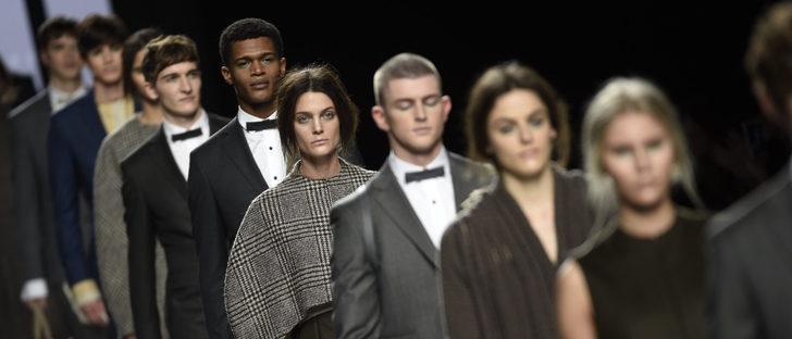 Devota & Lomba retrata una sociedad gris en su colección otoño/invierno 2017/2018 en Madrid Fashion Week