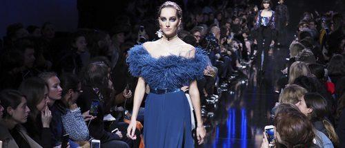 Encajes, transparencias y misterio en la colección de Elie Saab para Paris Fashion Week