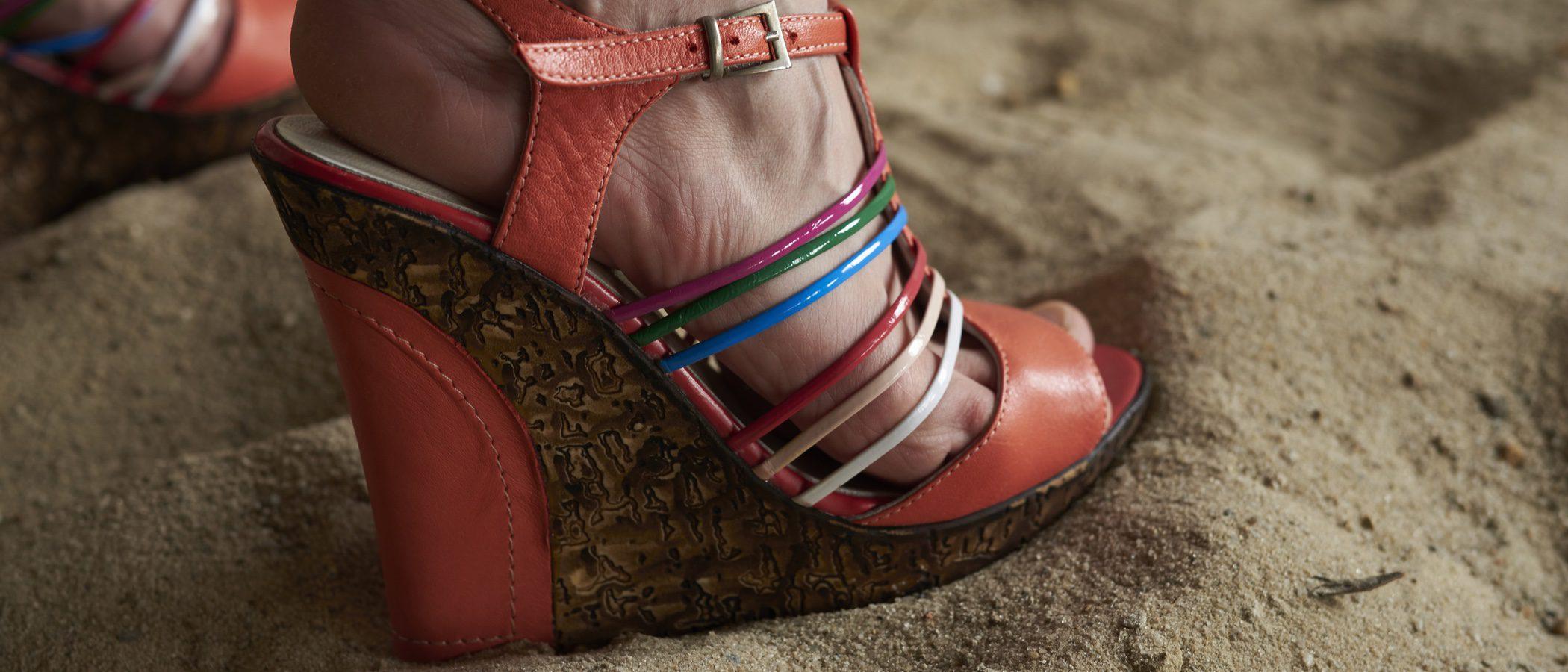 Sandalias de cuña: guía de estilo