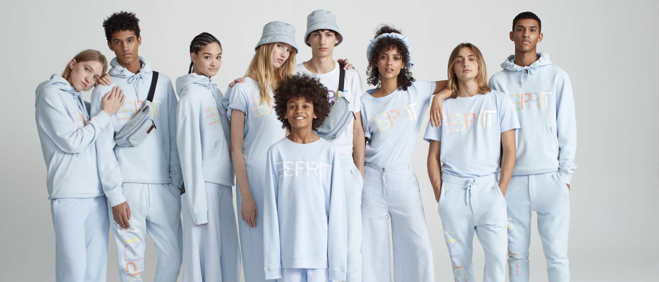 El estilo navy impera en la colección Esprit by Opening Ceremony de esta primavera 2017