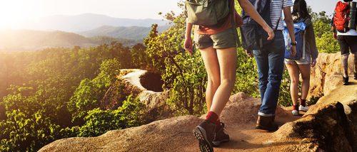 Cómo vestirse para ir de senderismo