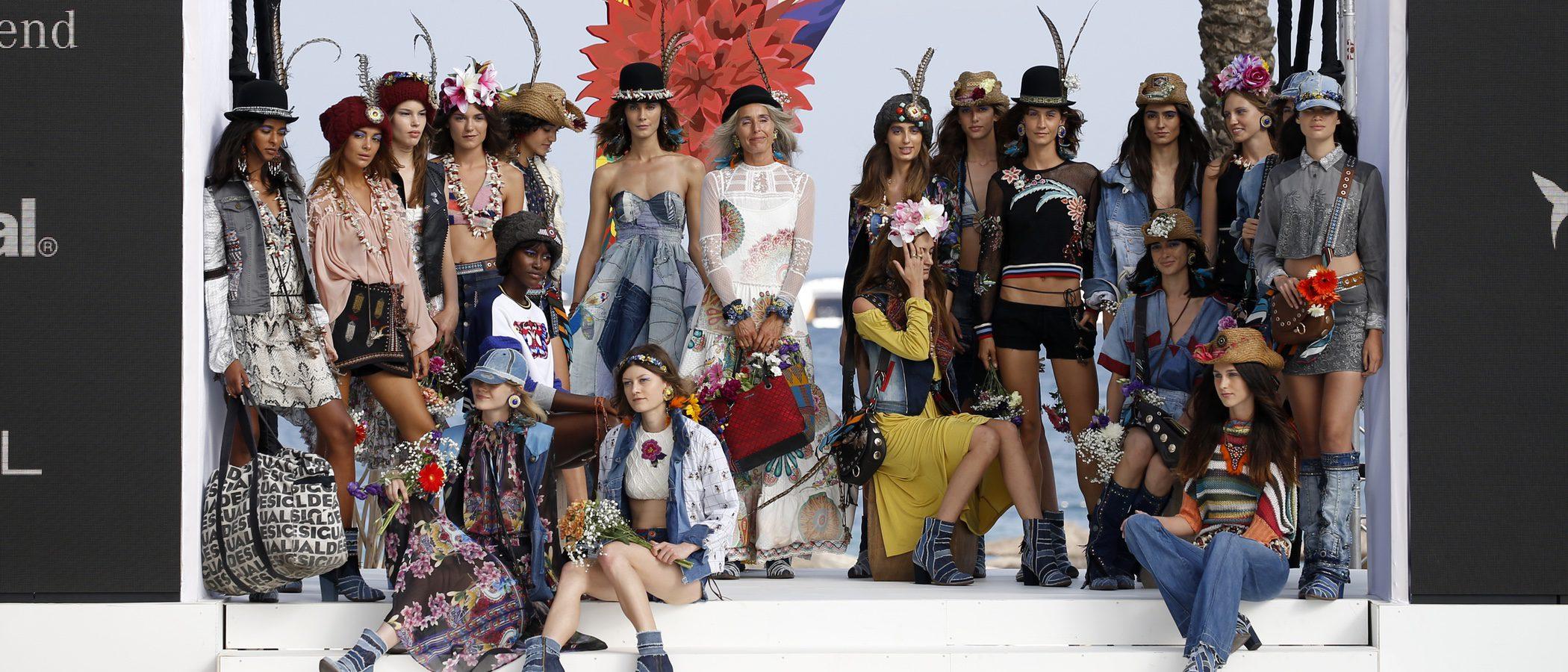 Desigual apuesta por lo tropical y el vintage en su desfile de la Fashion Week de Ibiza 2017