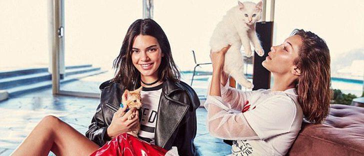 Kendall Jenner y Bella Hadid, amigas y amantes de los gatos posan para Ochirly