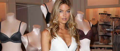 La modelo Martha Hunt presenta la nueva colección de Victoria's Secret