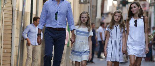 La Princesa Leonor y la Infanta Sofía eligen unas altas plataformas de Mibo para despedirse de Mallorca