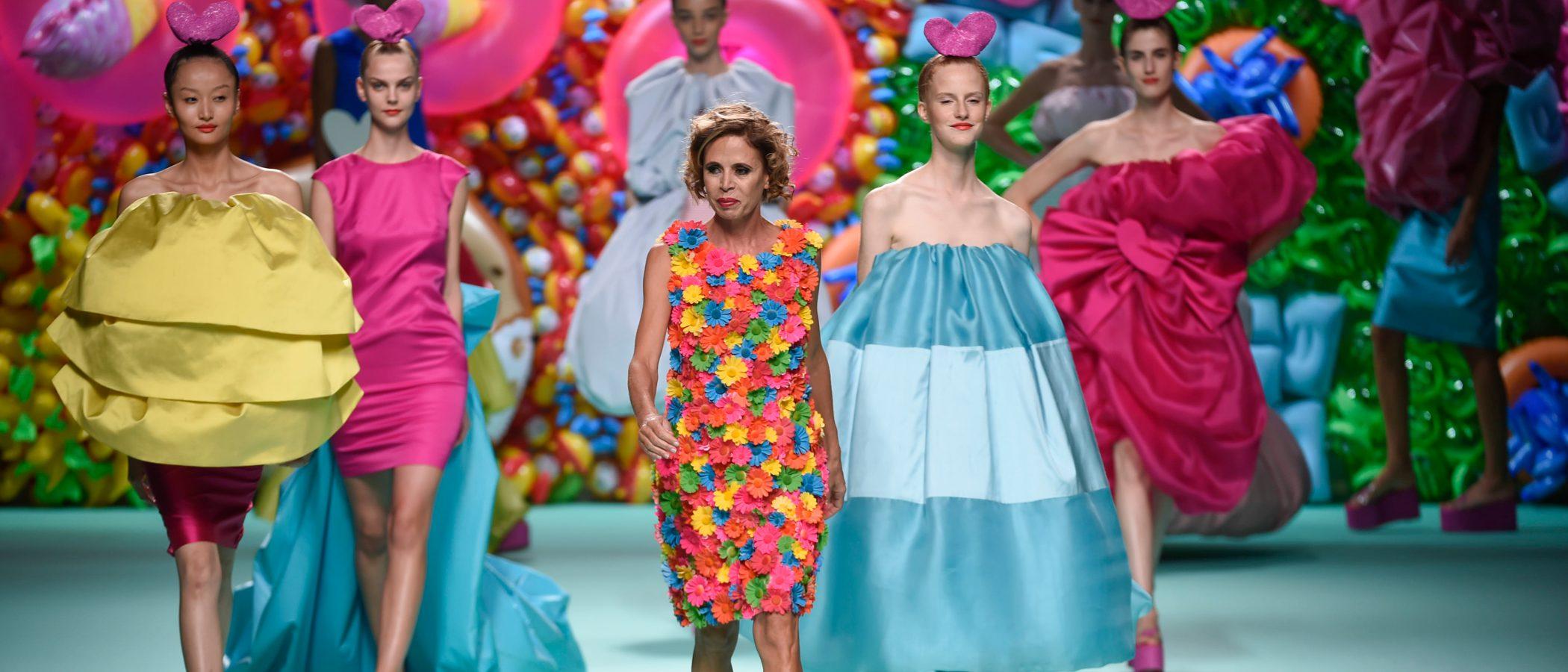 Ágatha Ruiz de la Prada vuelve a sus orígenes con un homenaje a Balenciaga en la Madrid Fashion Week