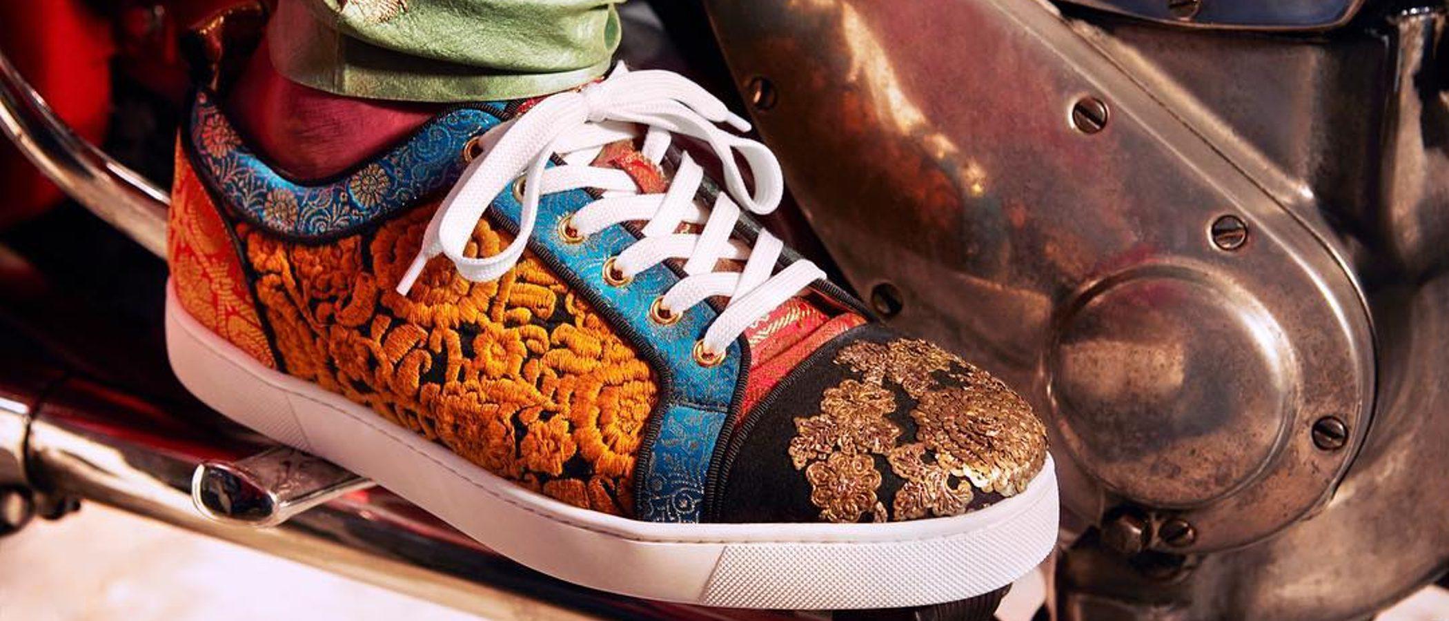 Christian Louboutin viaja a la India con una colección cápsula muy colorida