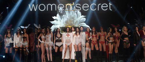 El encaje y el color negro protagonizan la pasarela con la Women'secret night 2017