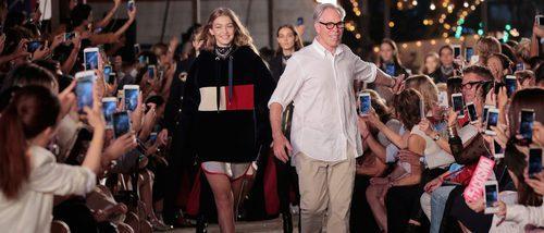 Tommy Hilfiger y Gigi Hadid se trasladarán a Milán para presentar su próximo desfile 'Tommynow'