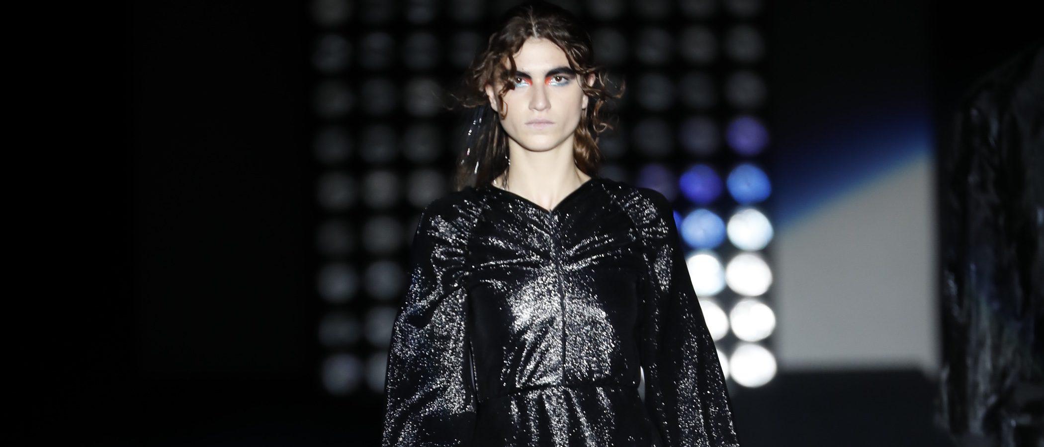 Ana Locking presenta su colección otoño/invierno 2018/2019 más oscura en la Madrid Fashion Week