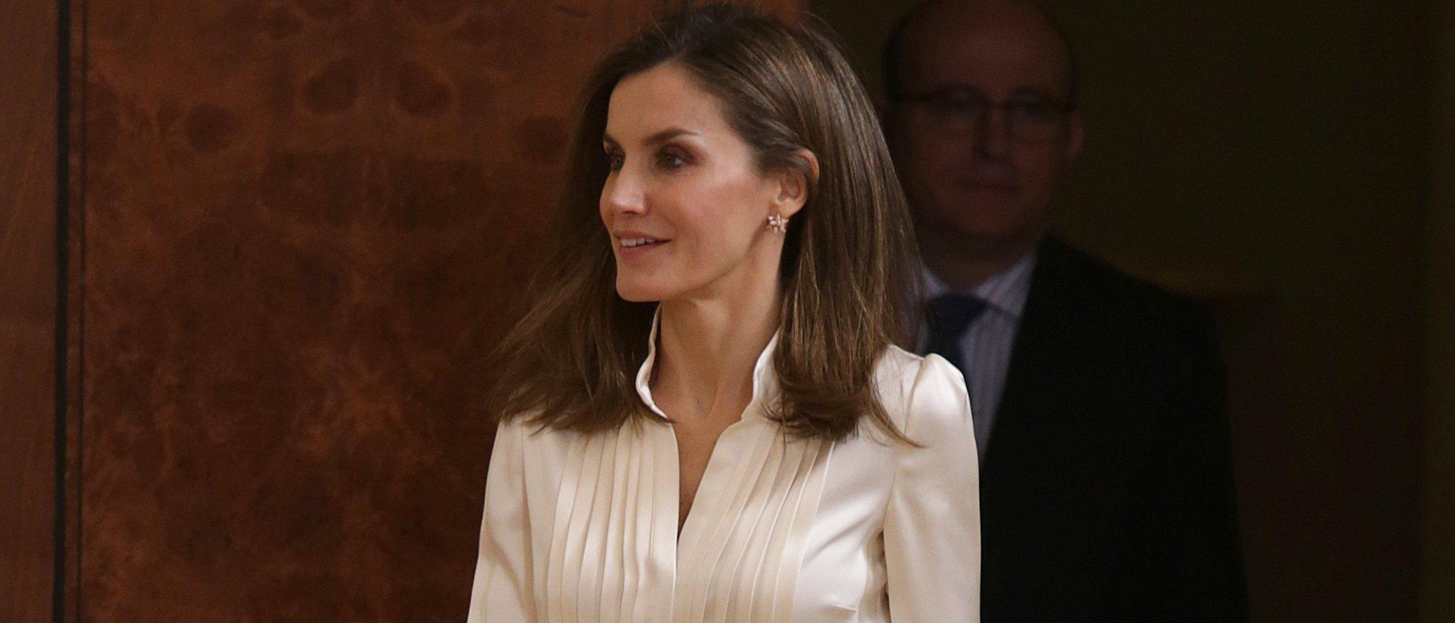 El look de la Reina Letizia convertido en low cost. ¡Atrévete a copiarlo!