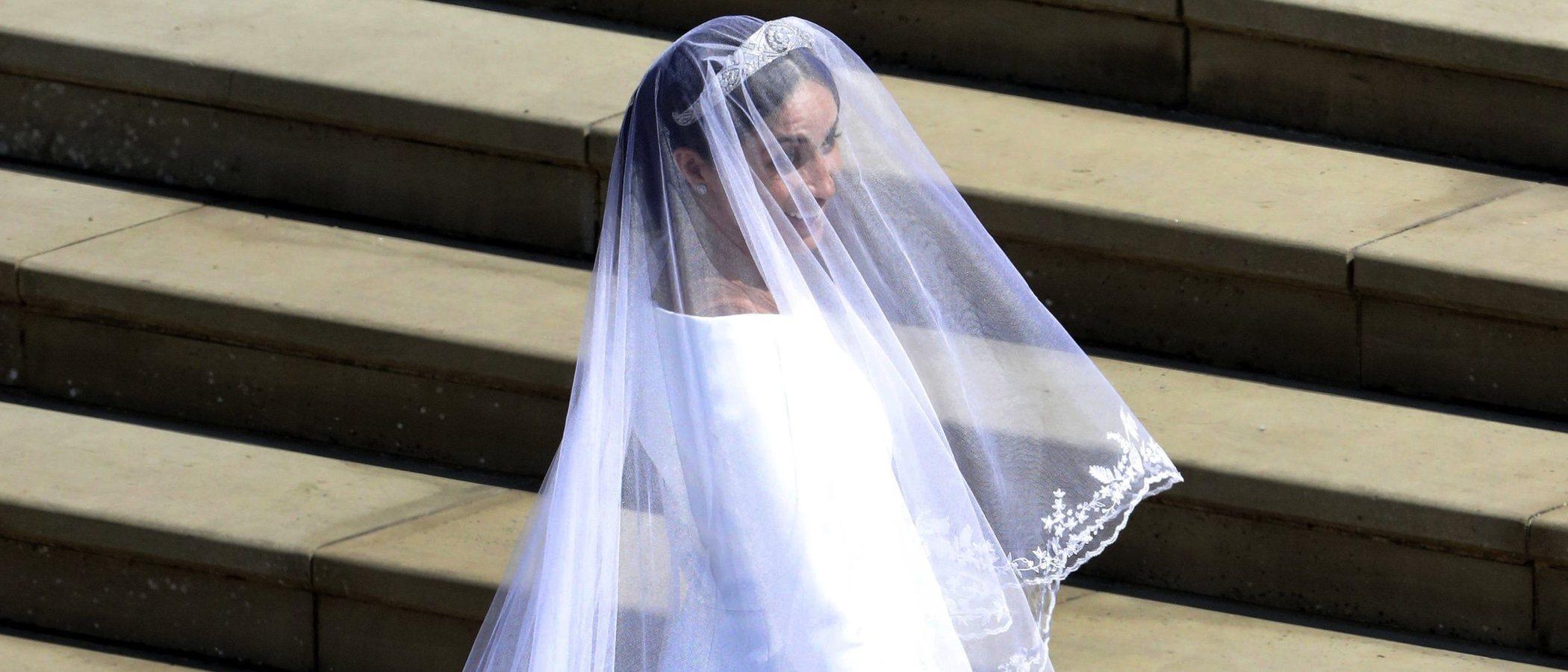 Diseñado por una mujer y muy sofisticado: Así ha sido el vestido de novia de Meghan Markle