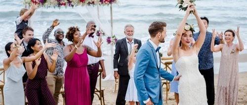 Cómo vestirse para ir a una boda en la playa - Bekia Moda f6efbb19826