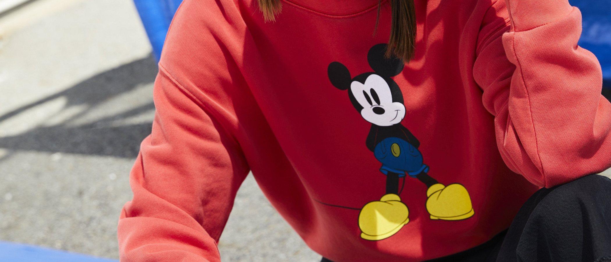 La moda se rinde a la magia de Mickey Mouse en su 90 aniversario