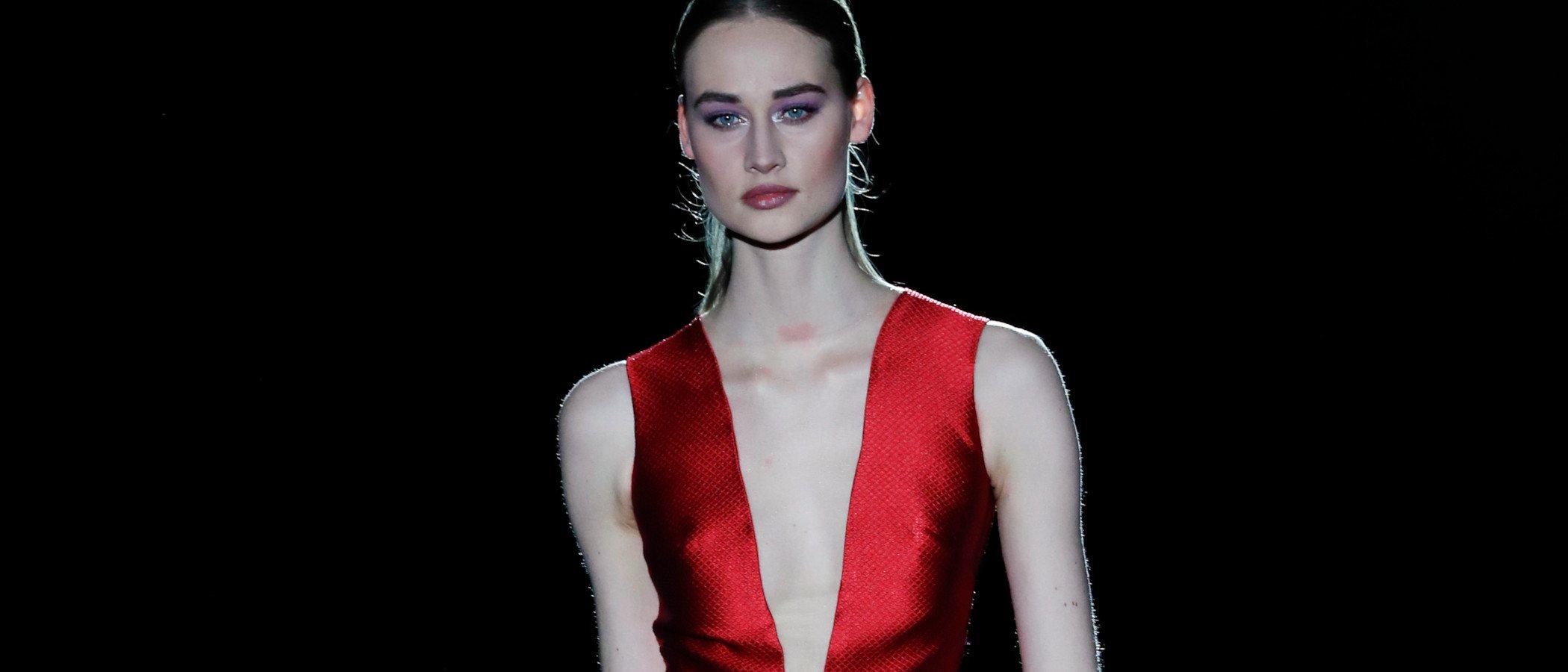 Hannibal Laguna apuesta por la sensualidad femenina en la Madrid Fashion Week 2019