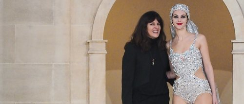 Quién es Virginie Viard, la mujer que ya ocupa el lugar de Karl Lagerfeld al mando de Chanel