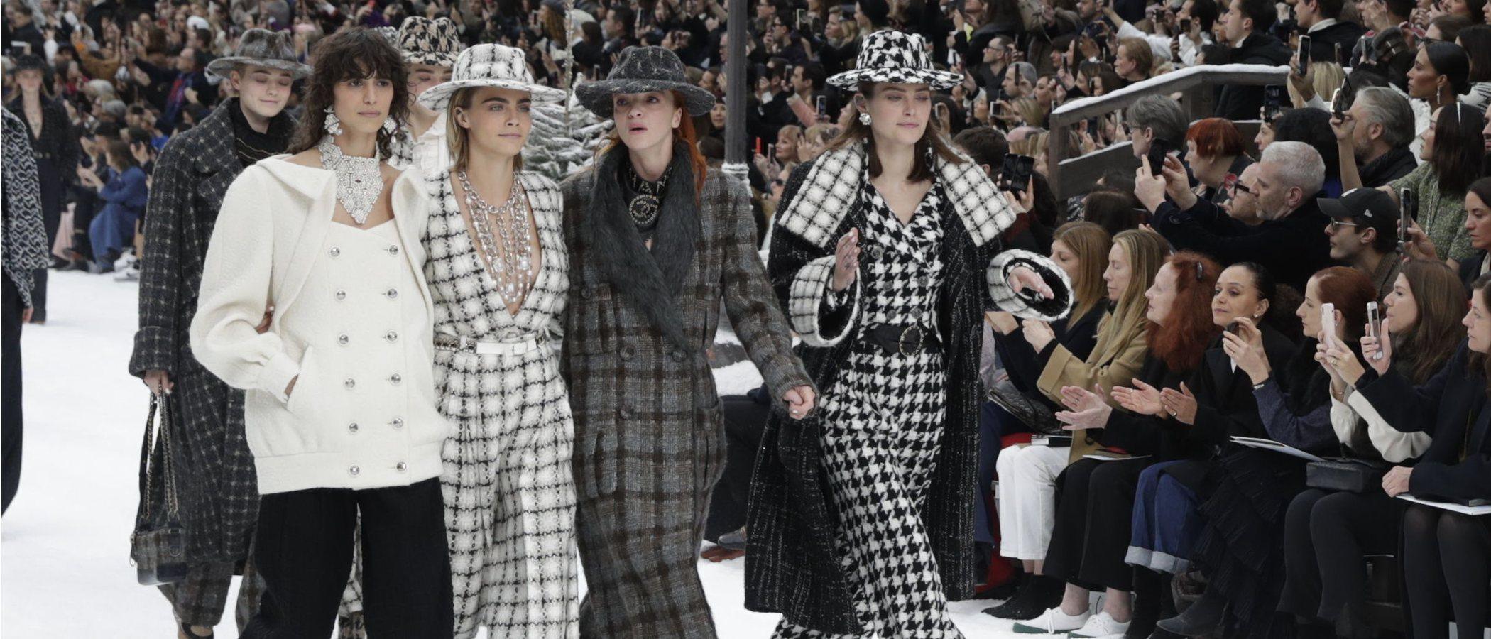 Con Penélope Cruz y otras musas entre lágrimas, Chanel presenta la última colección de Karl Lagerfeld